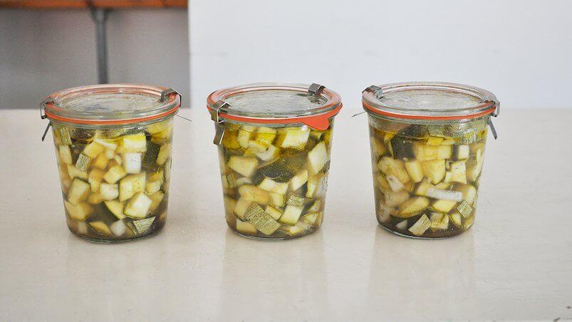 Eingemachte Zucchini